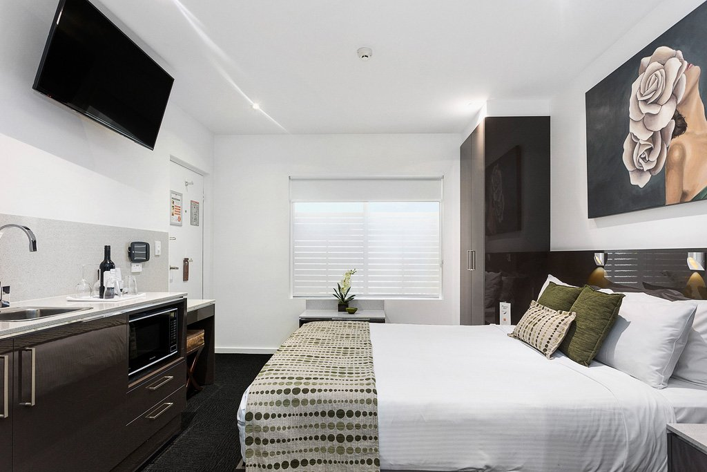 2 Bedroom Studio North Adelaide